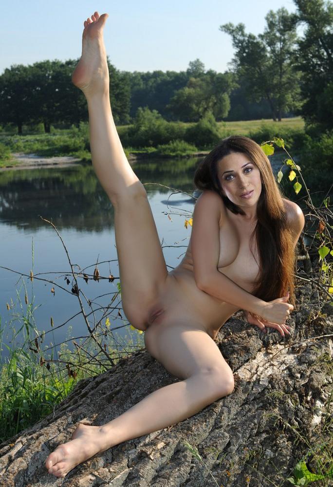 real porn outoor photo of karishma kapoor - Karisma Kapoor Nude XXX Nangi Porn Photos