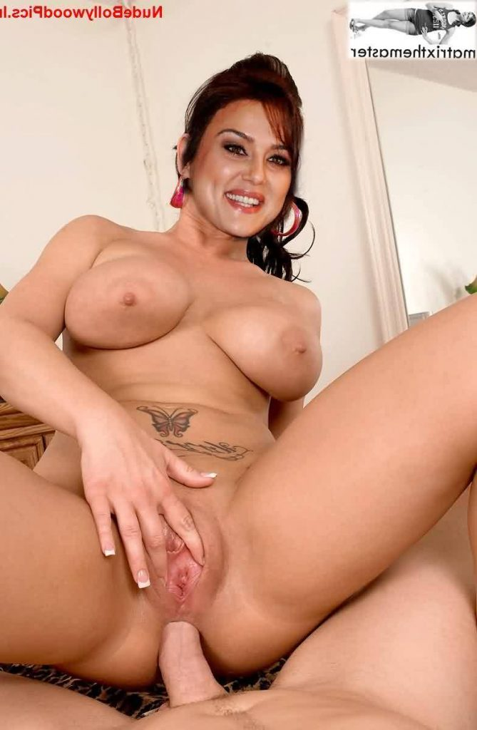 fakes Preity Zinta nangi 12 669x1024 - Preity Zinta Nude Porn XXX Fakes Photos